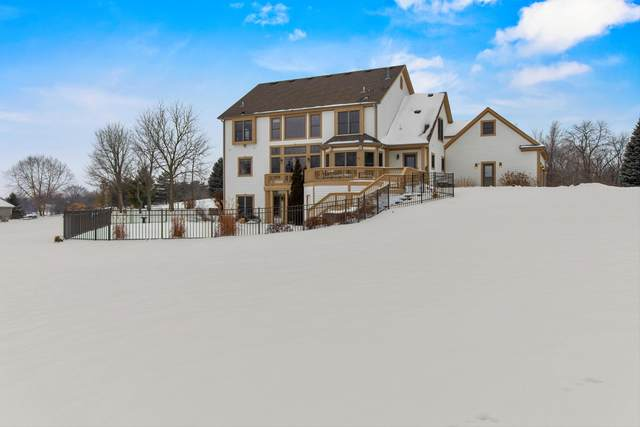 20935 W Windsor Dr, New Berlin, WI 53146 (#1723896) :: RE/MAX Service First