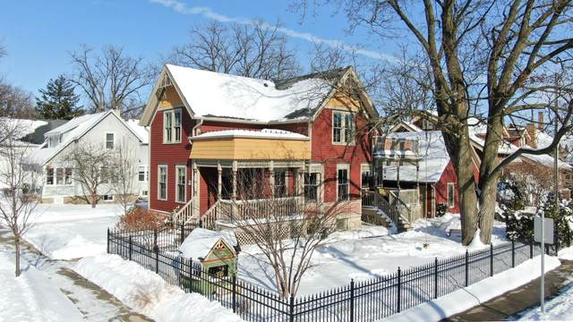 W65N704 St John Ave, Cedarburg, WI 53012 (#1725220) :: OneTrust Real Estate