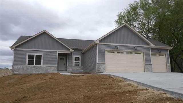 824 Evergreen Dr, Brownsville, WI 53006 (#1725357) :: RE/MAX Service First