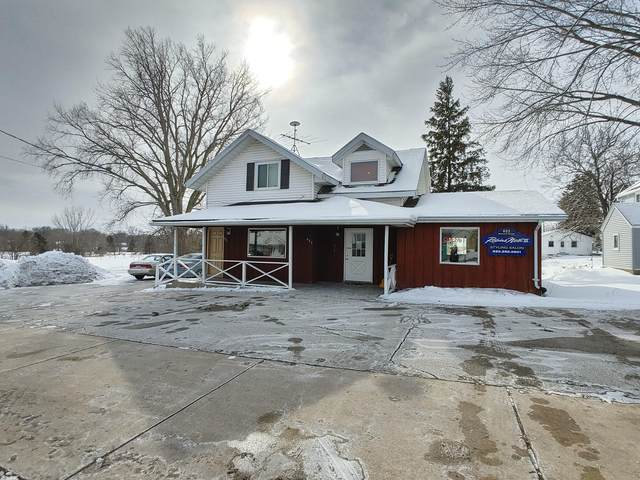 623 Bernard St, Watertown, WI 53094 (#1725893) :: EXIT Realty XL