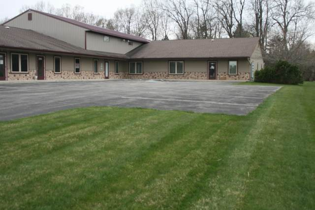 2139 Valley Ct #2, Grafton, WI 53024 (#1726236) :: RE/MAX Service First