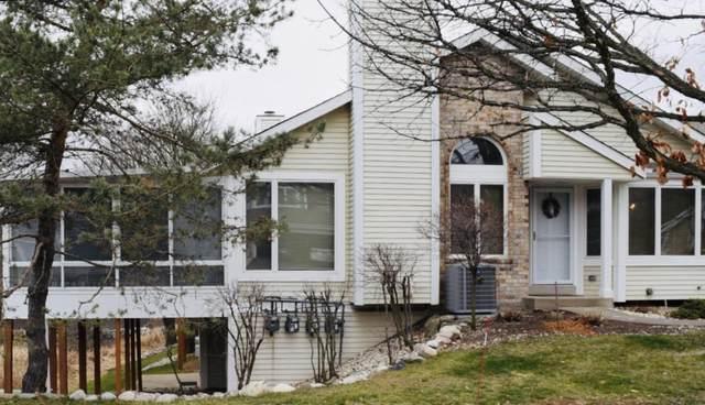 102 E Sutton Pl A, Waukesha, WI 53188 (#1726564) :: OneTrust Real Estate