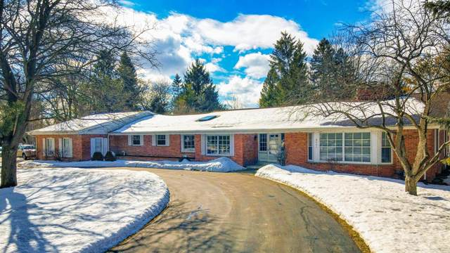 9201 N Lake Dr, Bayside, WI 53217 (#1726881) :: RE/MAX Service First