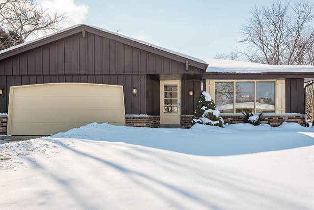 513 Partridge Ct, Pewaukee, WI 53072 (#1727297) :: EXIT Realty XL