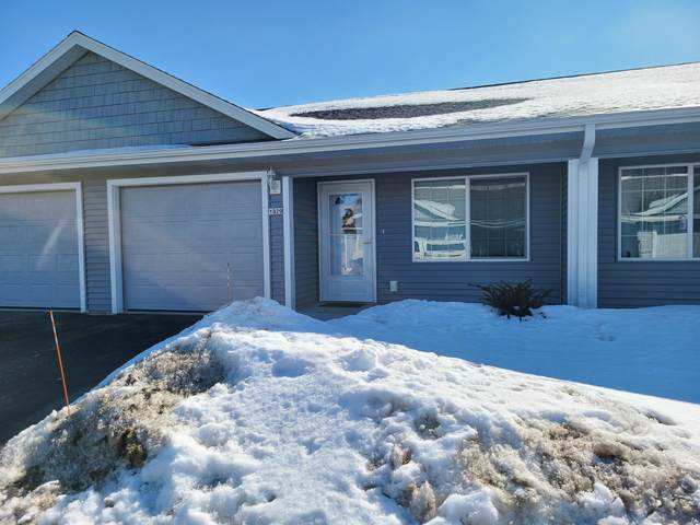 1345 S Wilson Ave, Hartford, WI 53027 (#1728249) :: EXIT Realty XL
