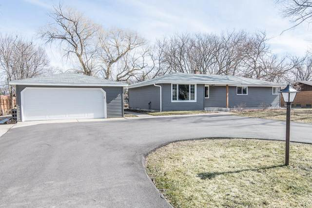 3178 S 146th St, New Berlin, WI 53151 (#1731179) :: RE/MAX Service First