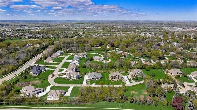 18675 Patti Ln, Brookfield, WI 53045 (#1732347) :: Tom Didier Real Estate Team