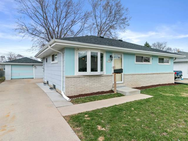 N88W15180 Cleveland Ave, Menomonee Falls, WI 53051 (#1733132) :: Tom Didier Real Estate Team