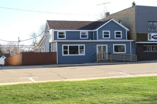130 E Oak St, Juneau, WI 53039 (#1733973) :: RE/MAX Service First
