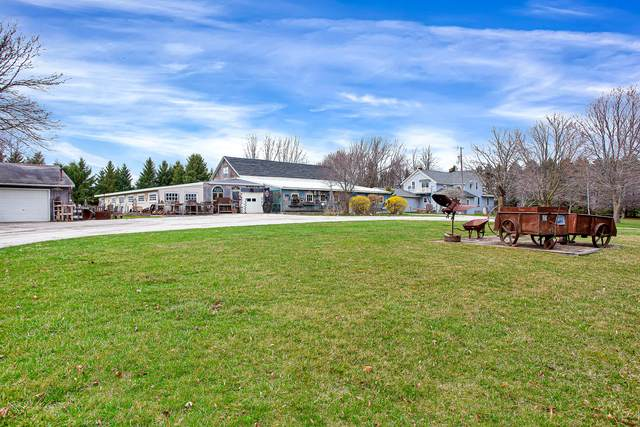 N7650 County Road Y, Mosel, WI 53083 (#1734000) :: RE/MAX Service First