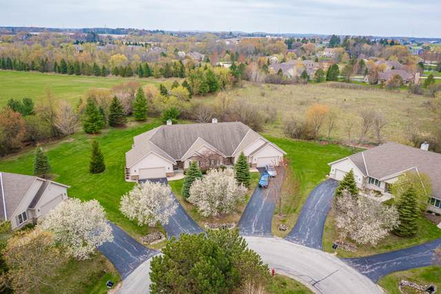 7175 W Mequon Trail Rd, Mequon, WI 53092 (#1735125) :: Tom Didier Real Estate Team