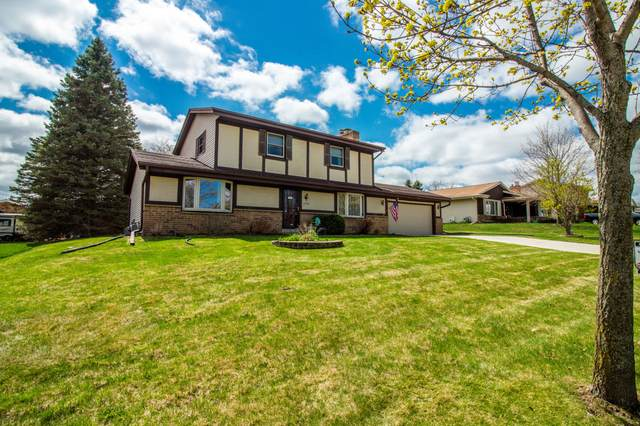 3343 W Southwood Dr, Franklin, WI 53132 (#1735522) :: EXIT Realty XL