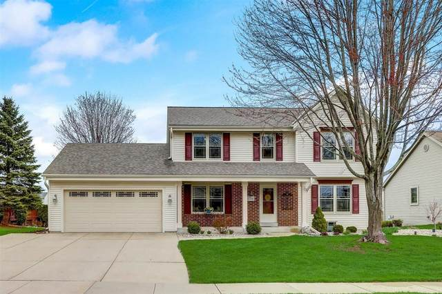 1528 Arapaho Ave, Grafton, WI 53024 (#1736154) :: Tom Didier Real Estate Team