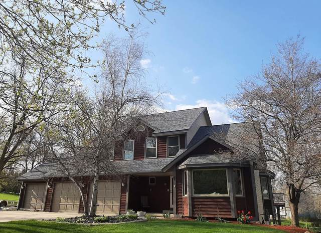 30724 Kramer Dr, Waterford, WI 53185 (#1737982) :: RE/MAX Service First