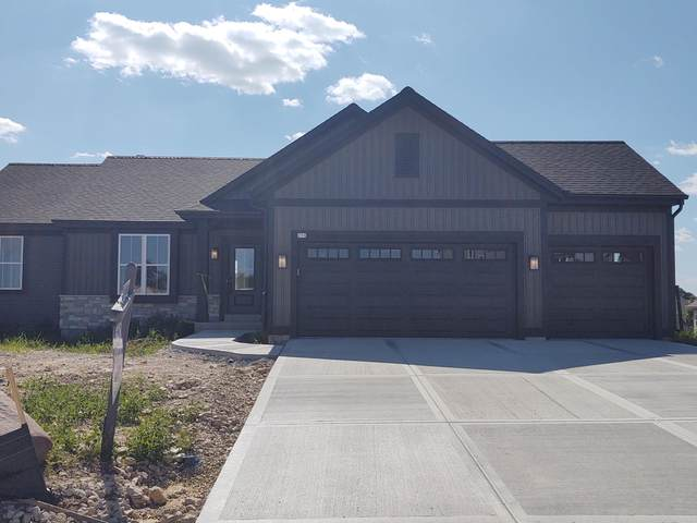 213 Countryside Dr, Slinger, WI 53086 (#1738141) :: Re/Max Leading Edge, The Fabiano Group