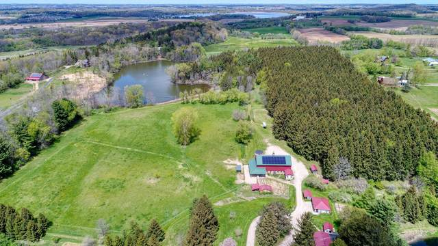 5920 E Waterford Rd, Hartford, WI 53027 (#1739838) :: EXIT Realty XL