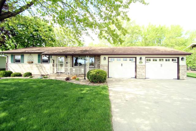 W7020 County Road B, Aztalan, WI 53551 (#1740088) :: RE/MAX Service First