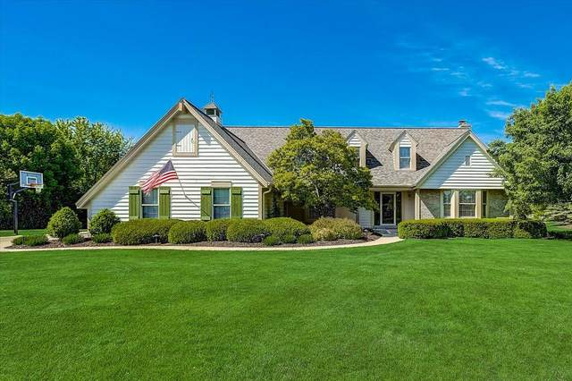 4814 W Century Ct, Mequon, WI 53092 (#1740349) :: RE/MAX Service First