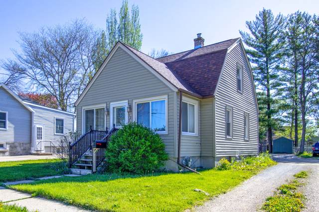 1213 S Ninth St, Watertown, WI 53094 (#1740459) :: RE/MAX Service First