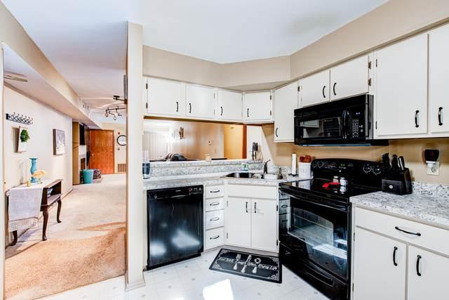 855 W Puetz Rd, Oak Creek, WI 53154 (#1740753) :: Keller Williams Realty - Milwaukee Southwest
