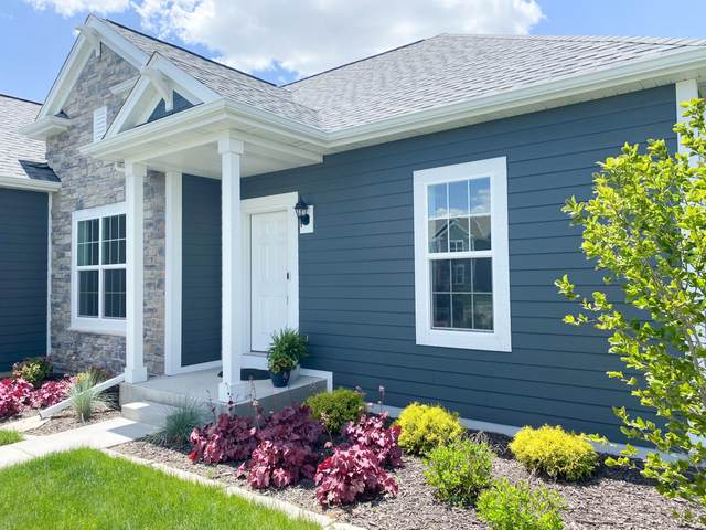3141 Mineral Springs Blvd, Summit, WI 53066 (#1741313) :: RE/MAX Service First
