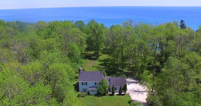 13418 N Lakewood Dr, Mequon, WI 53097 (#1742735) :: EXIT Realty XL