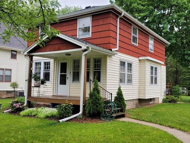 307 E Freistadt Rd, Thiensville, WI 53092 (#1742754) :: Tom Didier Real Estate Team