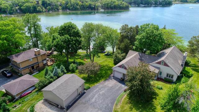1221 N Jenkins Dr, Summit, WI 53066 (#1743182) :: EXIT Realty XL