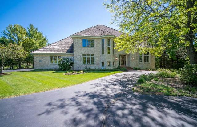 W303N3244 Timber Hill Ct, Delafield, WI 53072 (#1743547) :: Keller Williams Realty - Milwaukee Southwest