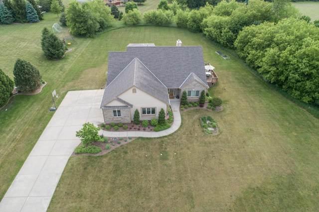 923 Burr Oak Ln, Summit, WI 53066 (#1744365) :: Keller Williams Realty - Milwaukee Southwest
