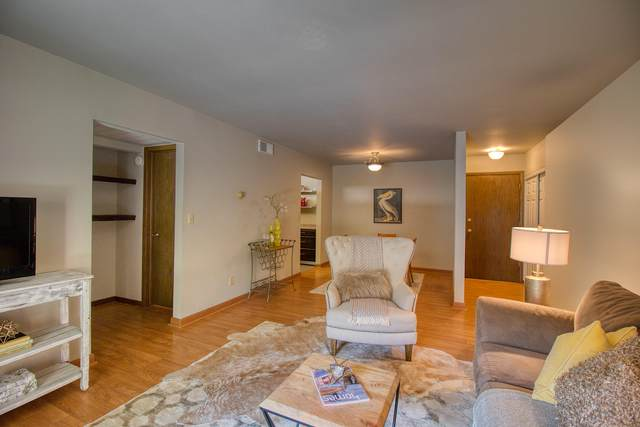 2350 W Good Hope Rd #156, Glendale, WI 53209 (#1744582) :: OneTrust Real Estate