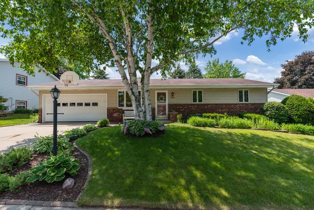 1615 Annie St, West Bend, WI 53090 (#1745712) :: OneTrust Real Estate