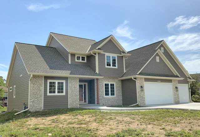 N77W23052 S Coldwater Cir, Sussex, WI 53089 (#1747232) :: EXIT Realty XL