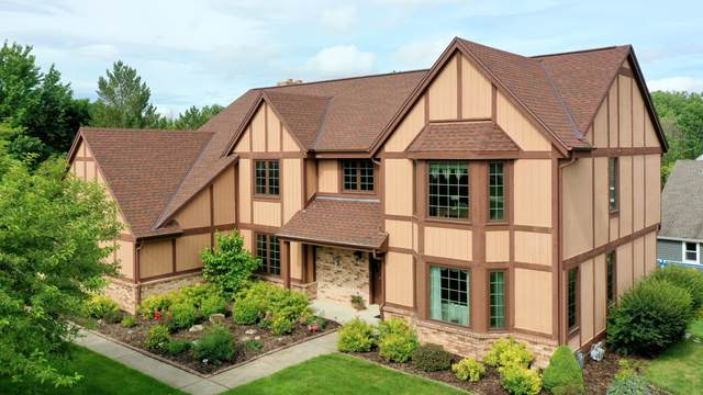 20340 Downing Ct, Brookfield, WI 53045 (#1749444) :: Re/Max Leading Edge, The Fabiano Group