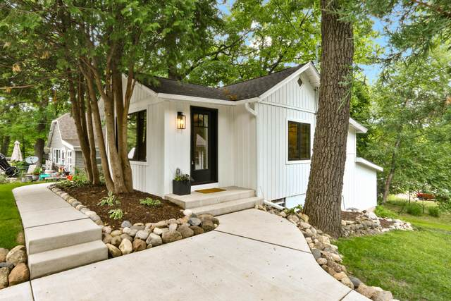 61 Oakwood St, Williams Bay, WI 53191 (#1749498) :: EXIT Realty XL