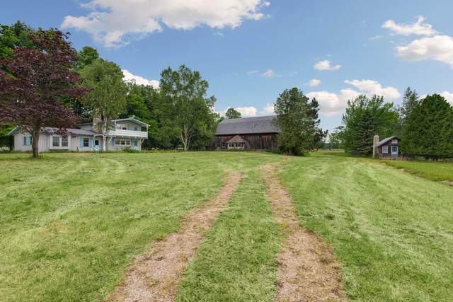 2940 Maple Grove, Gibraltar, WI 54212 (#1749733) :: EXIT Realty XL