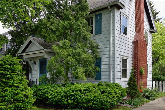 4616 N Oakland Ave, Whitefish Bay, WI 53211 (#1751857) :: OneTrust Real Estate