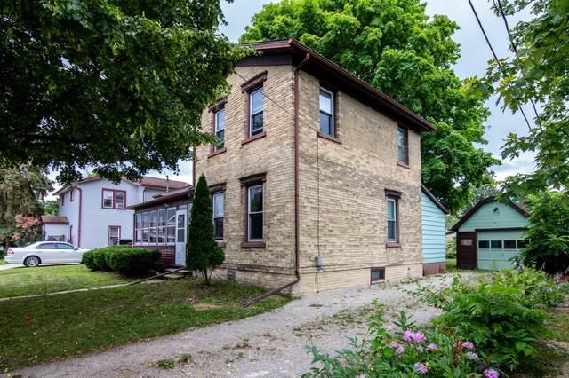 607 Jefferson St, Watertown, WI 53094 (#1752216) :: Tom Didier Real Estate Team