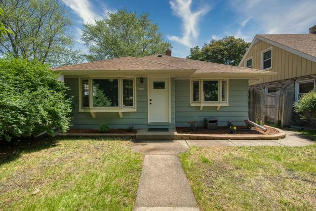 4634 S 49th St, Greenfield, WI 53220 (#1752627) :: RE/MAX Service First