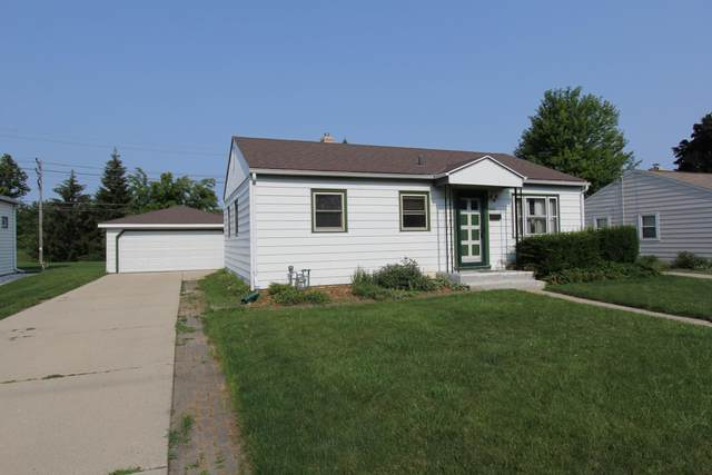 4435 S Pennsylvania Ave, Saint Francis, WI 53235 (#1752851) :: RE/MAX Service First