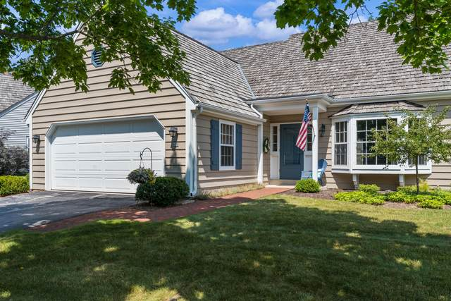 950 W Shaker Cir, Mequon, WI 53092 (#1753347) :: RE/MAX Service First