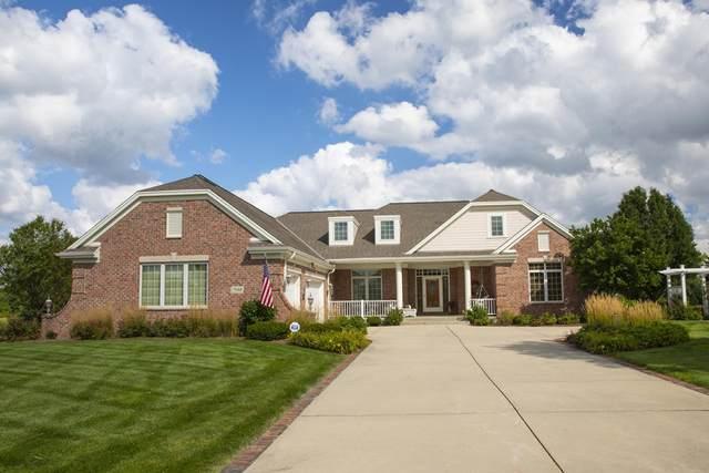 7560 S Joshua Ct, Franklin, WI 53132 (#1753474) :: Tom Didier Real Estate Team