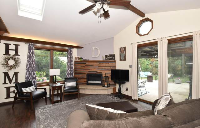 5437 Moorehead Ln, Greendale, WI 53129 (#1753858) :: OneTrust Real Estate