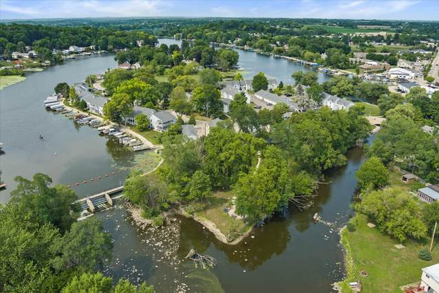 300 Foxwood Dr #125, Waterford, WI 53185 (#1753906) :: OneTrust Real Estate
