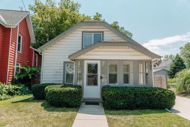 707 Madison St, Waukesha, WI 53188 (#1754566) :: Keller Williams Realty - Milwaukee Southwest