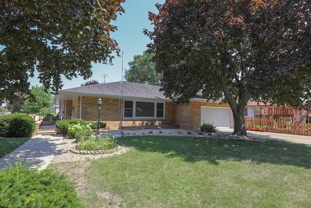 3321 22nd Ave, Kenosha, WI 53140 (#1754645) :: OneTrust Real Estate