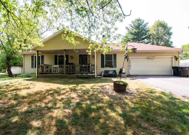 W5221 Tippecanoe Trl, Sugar Creek, WI 53121 (#1754649) :: Tom Didier Real Estate Team