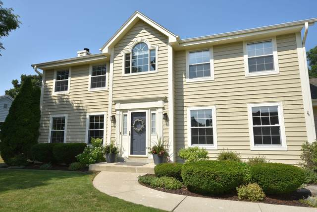 4665 S River Ridge Blvd, Greenfield, WI 53228 (#1754876) :: EXIT Realty XL
