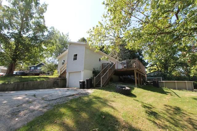 32885 Juniper St, Burlington, WI 53105 (#1755353) :: OneTrust Real Estate