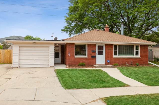 5607 N Argyle Ave, Glendale, WI 53209 (#1755665) :: EXIT Realty XL